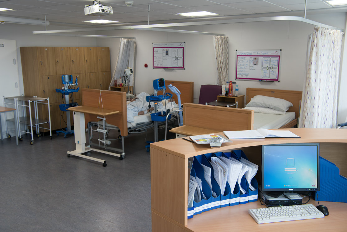 Anniesland hospital ward beds and nurses station gallery