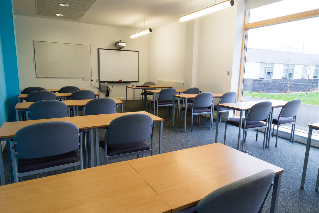 Anniesland classroom desks and chairs gallery